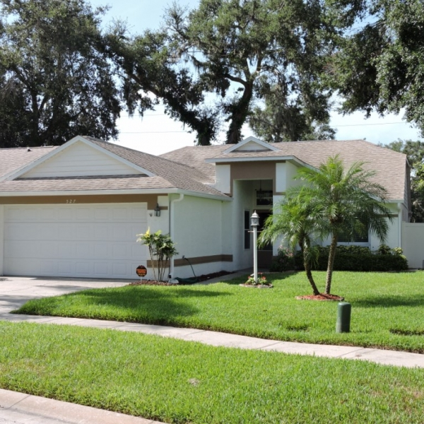 3BR/2BA SINGLE-FAMILY HOME IN CENTURY WOODS